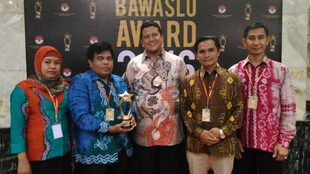Bawaslu Prov. Kalsel Mendapatkan Penghargaan Level Nasional
