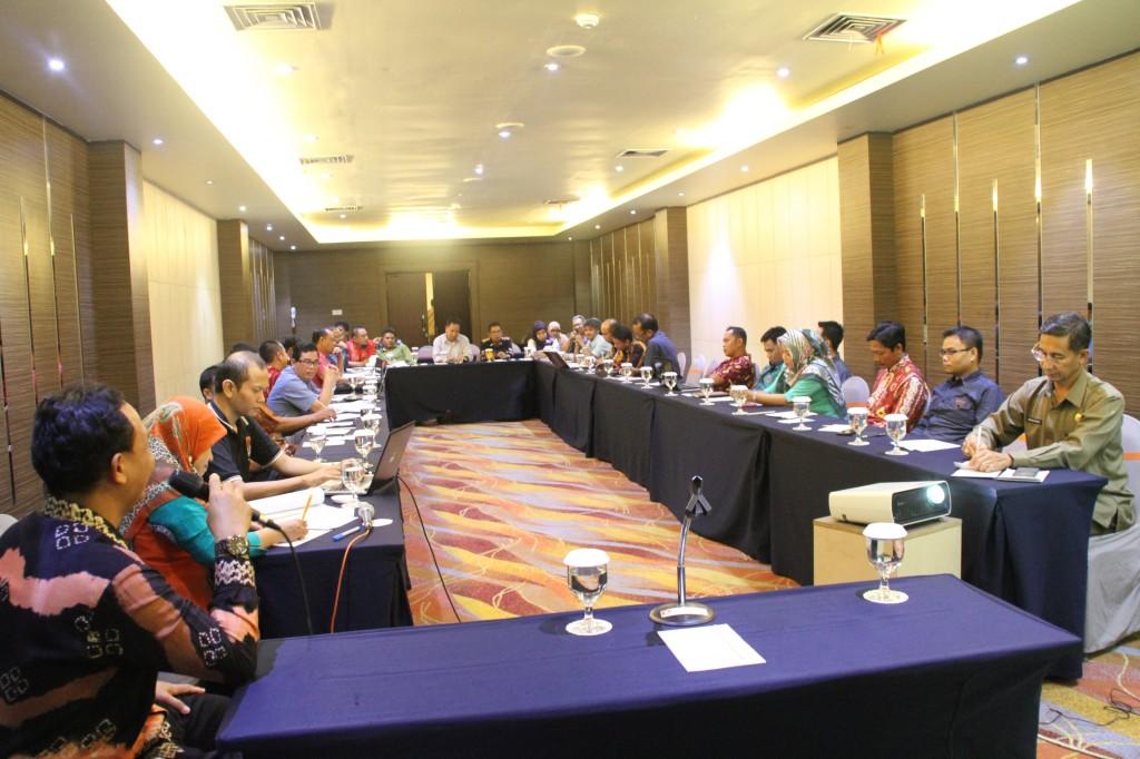 BAWASLU KALSEL Serap Masukan Dan Evaluasi Pelaksanaan Pengawasan Pilkada Tahun 2015 di Provinsi Kalimantan Selatan
